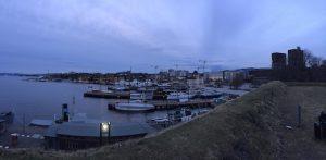Blick auf den Osloer Hafen mit den Rathaustürmen. (Foto: Bomsdorf)