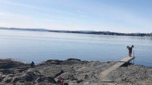 Egal ob allein, zu zweit oder zu vielen, in Oslos Paradiesbucht ist es immer schön (Wassertemperatur auf diesem Bild: geschätzte 2 Grad Celsius; Foto: Bomsdorf).