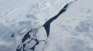 Schmelzendes Eis, Svalbard Juni 2015 (Foto: Bomsdorf).